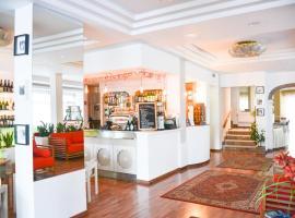 Hotel Vergilius, hotel near Viale Ceccarini, Riccione