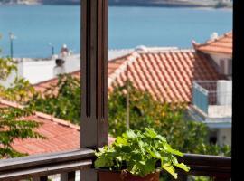 Sofia's Garden Studios, hotell nära Skopelos hamn, Skopelos stad