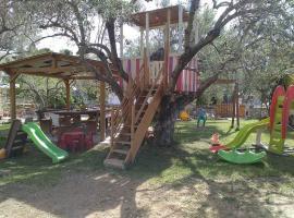 Rent Rooms Alexiou, hotel near Limni Evias, Limne
