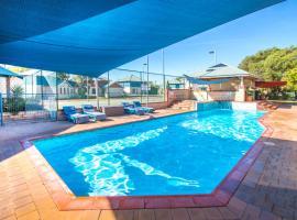 Amalfi Resort, hotel in Busselton