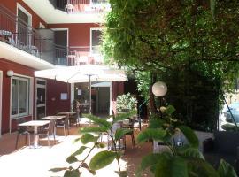 Hotel Garnì Capinera, hotel in Garda