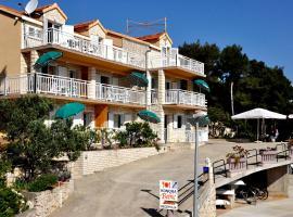 Guest House Bebic, budget hotel in Lumbarda