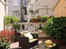 Apartments & Rooms Trogir Stars, hotel near Park Fortin, Trogir