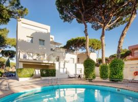 Apartamentos Porta Coeli, hotel near ICFO - The Institute of Photonic Sciences, Castelldefels