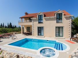Villa Avoca, holiday home in Mlini