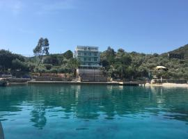 La Moda Beach Hotel, отель в Каше