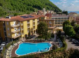 Hotel Bisesti ***S, hotel in Garda