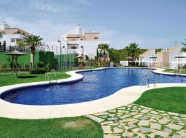 2127-Superb 2 bedrooms , lovely terraces and pool, hotel en San Roque