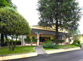 Albergo La Quiete, hotel en Desenzano del Garda