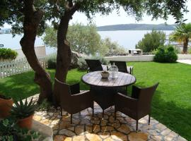 Apartments Panorama 2, self catering accommodation in Trogir