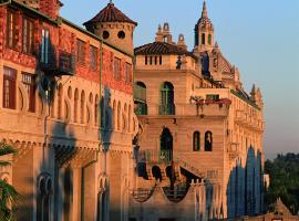 The Mission Inn Hotel and Spa, hotel in Riverside