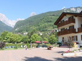 Garnì Lago Alpino, hotel in zona Lago di Molveno, Molveno