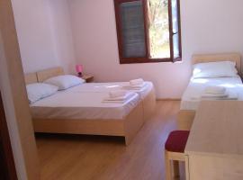 Resort Village T.N. Milna, room in Vis