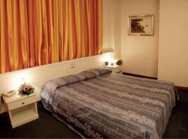 Hotel Santa Maura, hotel in Rome