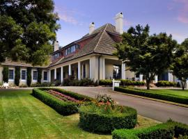 Peppers Manor House, hotel near Moss Vale Golf Club, Sutton Forest
