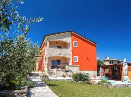 Apartments Villa Orange, pet-friendly hotel in Medulin