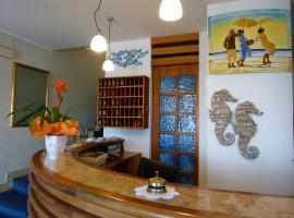 Hotel Paradise, hotell i Fano