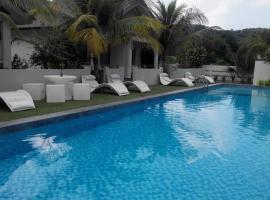 Fuuka Villa, vacation rental in Pantai Cenang