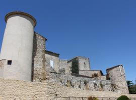 Château de Vedène, hotel near Grand Avignon Golf Course, Vedène