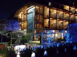 Smart Hotel Saslong, hotel in Santa Cristina Gherdëina
