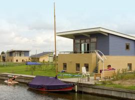 Detached holiday home with sauna and private jetty in Lemmer