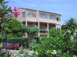 Hôtel les Eucalyptus, hotel in Cavalaire-sur-Mer