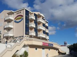 Apartments and Rooms Astoria, apartment in Trogir