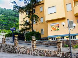 Casa Vacanza San Pietro, hotel with pools in Maiori