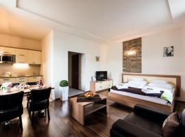 Hotel Garzon Plaza, apartment in Győr