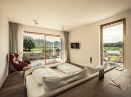MALAT Weingut und Hotel, Hotel in Furth