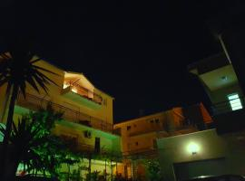 Apartments Kegalj, hotel with pools in Podstrana
