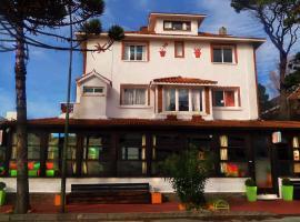 Planet Punta del Este Hostel, hostel in Punta del Este