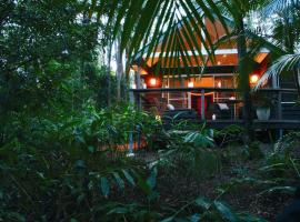Songbirds Rainforest Retreat, villa in Mount Tamborine