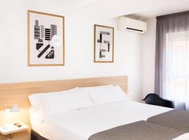 Rooms Ciencias, habitació en una casa particular a València