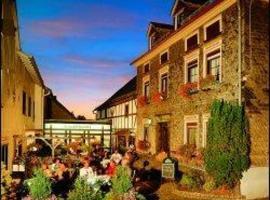 Hotel Schinderhannes, hotel near Frankfurt-Hahn Airport - HHN, Sohren