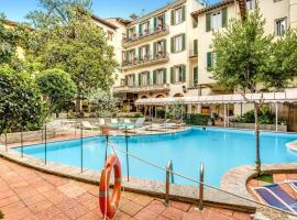 Hotel Croce Di Malta, hotel with pools in Florence