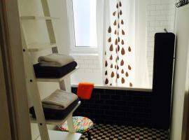 Apartament KoKi Retro – hotel w pobliżu miejsca ORP Błyskawica w mieście Gdynia