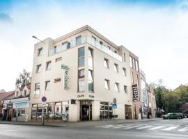 Hotel Deluxe, hotel in Nitra