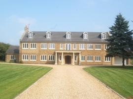 Woodhouse Farm Lodge, hotel in Spalding