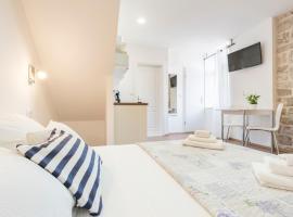 Agata House Hvar, self catering accommodation in Hvar