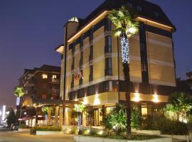 Hotel Tiffany Milano, hotell i Trezzano sul Naviglio