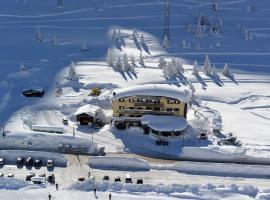 Hotel Dolomiti, отель в Пассо-дель-Тонале