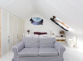 Silver Moon Bed & Breakfast, hotel near Voorschoten Station, Voorschoten