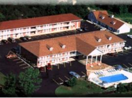 Twelve Oaks Inn, motel in Branson