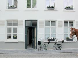 B&B Alphabet - Luxury Guesthouse and Art Gallery, hotel near Bruges Train Station, Bruges
