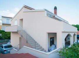 Apartment Ivano, luxury hotel in Rogoznica