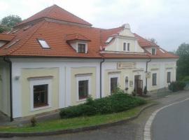Zámecký hotel U Rajských, hotel a Náchod
