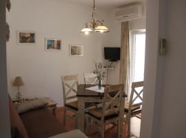 Apartments Lucia, hotel in Korčula