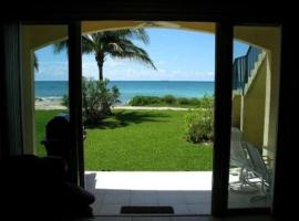 Port of Call - STAY 6 NIGHTS AND GET 7TH NIGHT FOR FREE!, hotel en Freeport