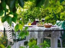 Apartments Lavel, hotel near Park Fortin, Trogir